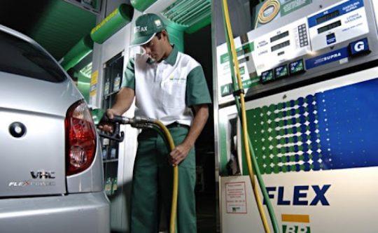 Inflação registra alta de 0,87% em agosto puxada pelo preço dos combustíveis