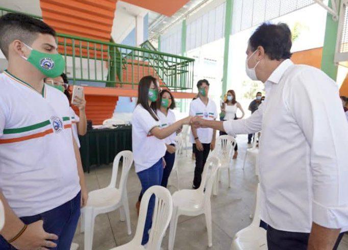 Camilo afirma que adolescentes serão vacinados em todo o território cearense