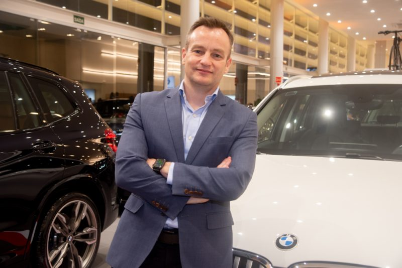 CEO do BMW Group Brasil, Aksel Krieger pilota Business Meeting na Haus Motors Fortaleza