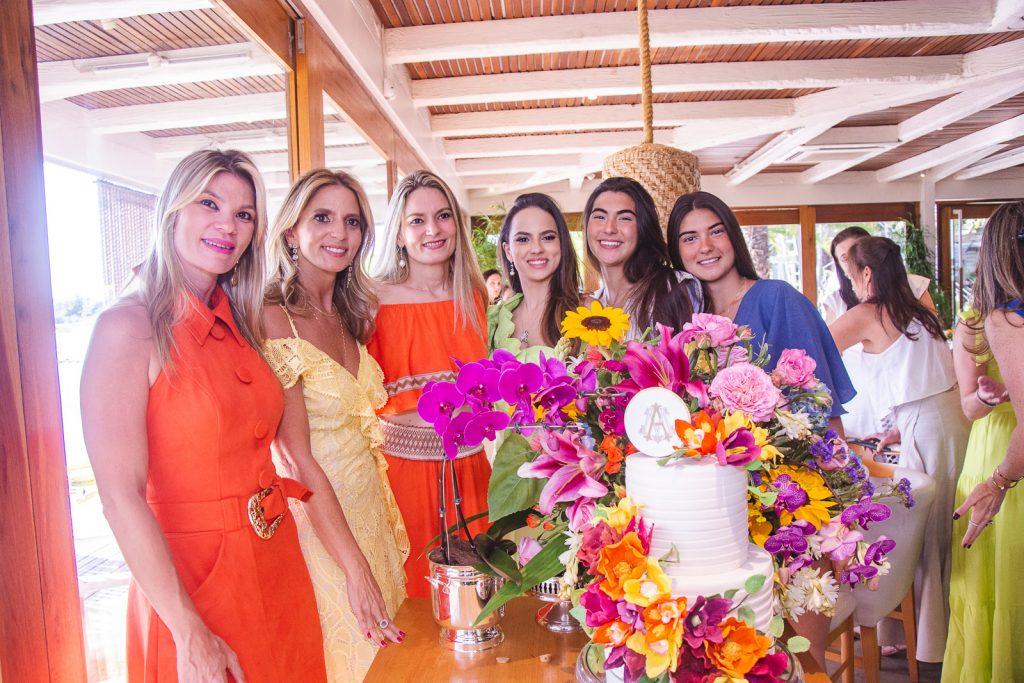 Alessandra, Michelle, Carol, Bianca, Bruna E Beatriz Aragao