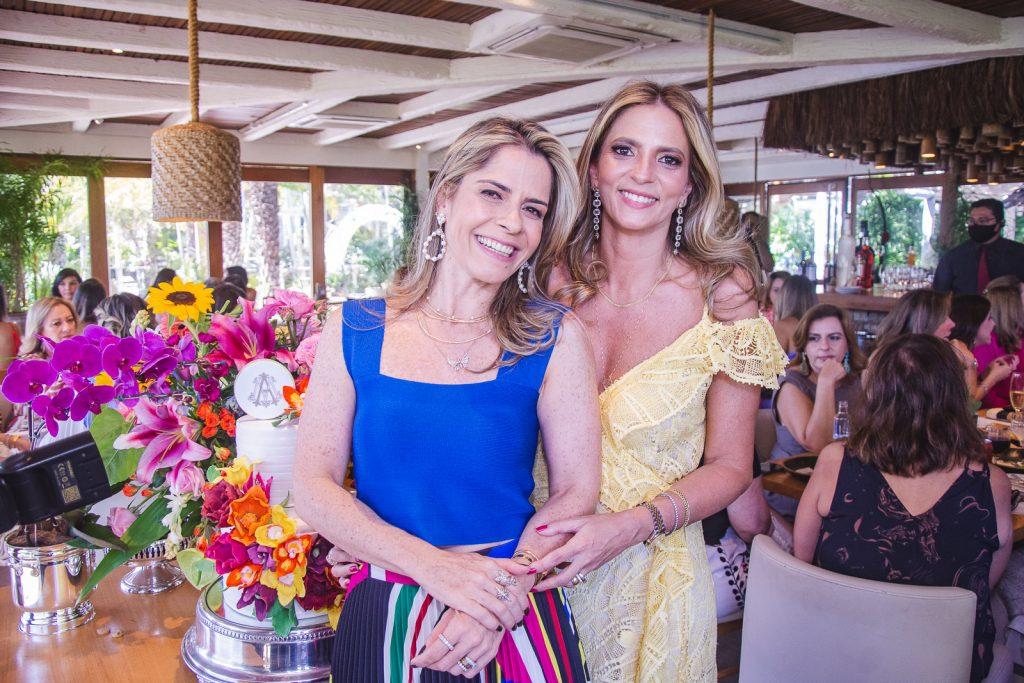 Carla Nogueira E Michelle Aragao