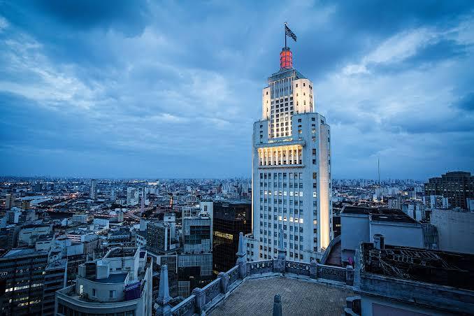 SPFW e Santander promovem série de lives Encontros Criativos no Farol Santander SP