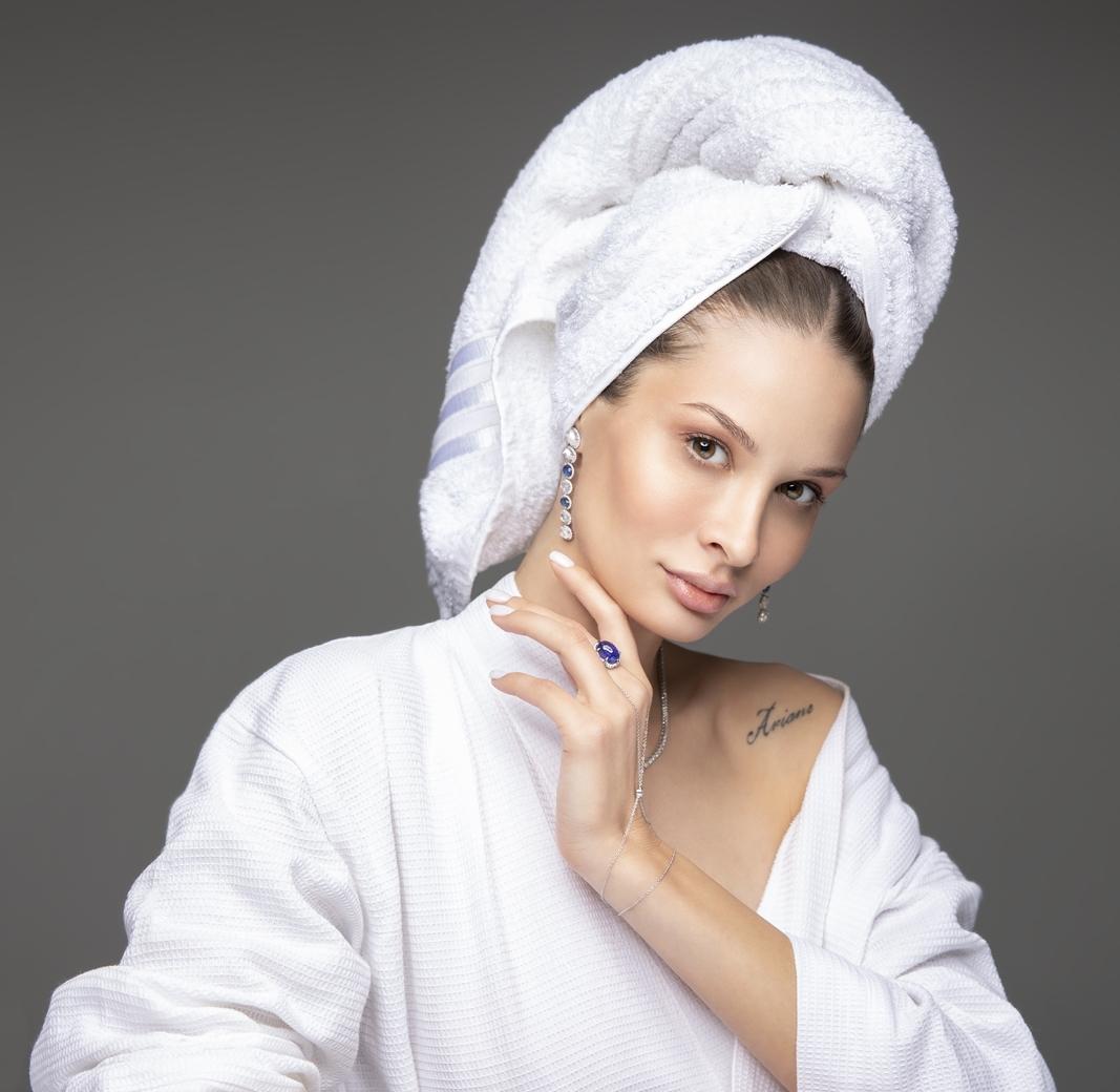 Modelo russa, Natasha Gryzlova vem fazendo sucesso em campanhas publicitárias no Ceará