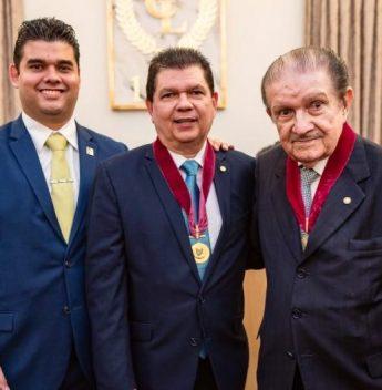 Mauro Benevides receberá homenagens no I Encontro Regional de Vereadores