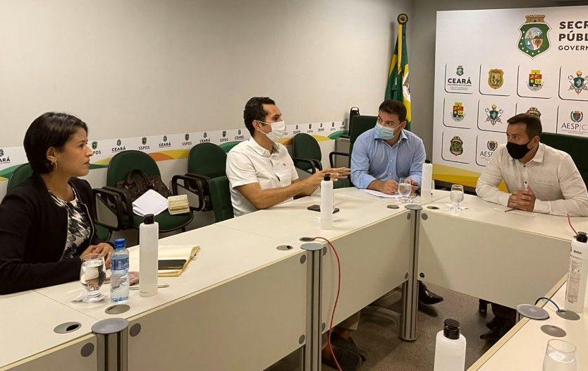 Domingos Neto debate projeto para ampliar segurança em APPs de transporte