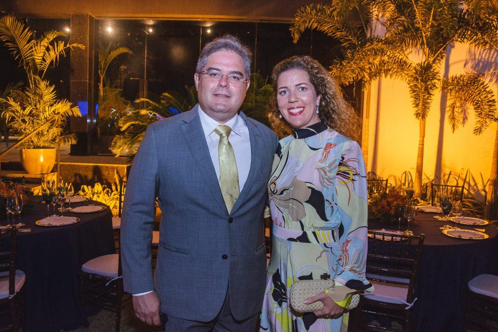 Edson E Ticiana Queiroz