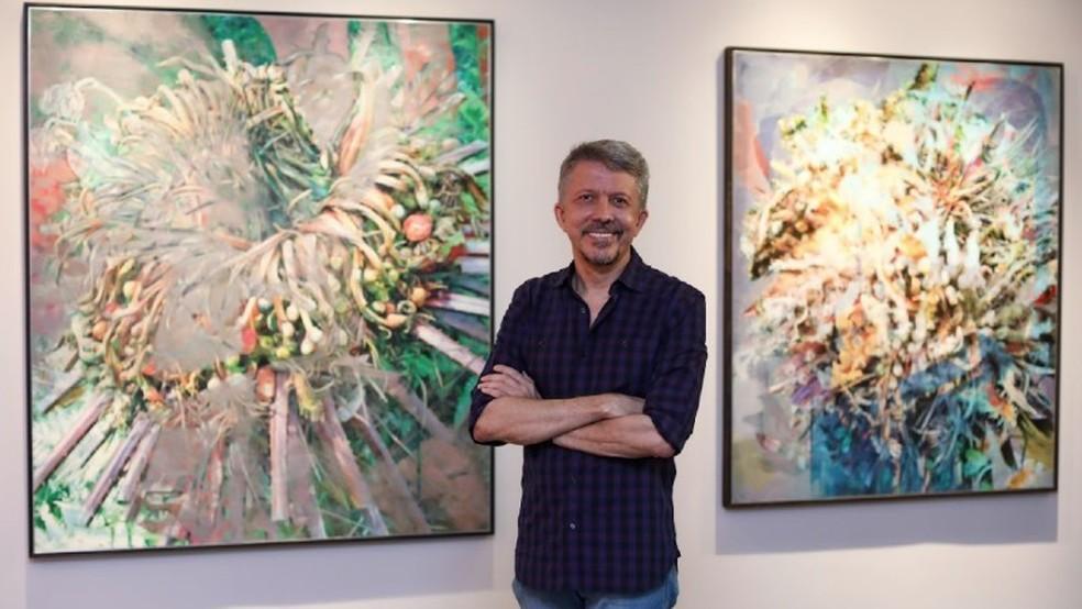 Visitas guiadas encerram temporada da exposição de Sérgio Helle no Espaço Cultural Unifor