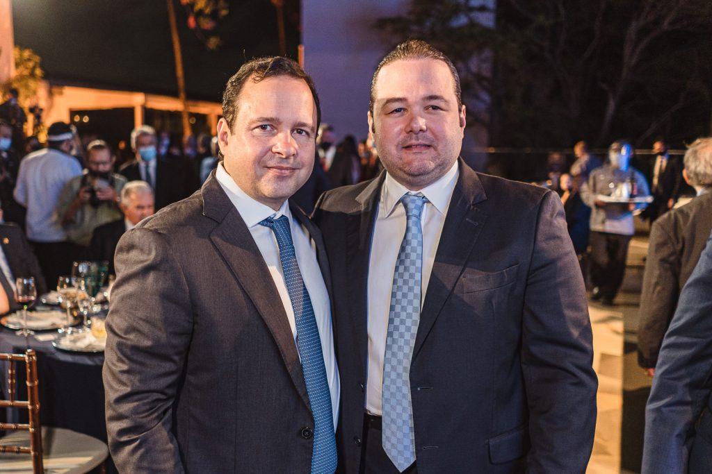 Igor Queiroz Barroso E Otavio Queiroz