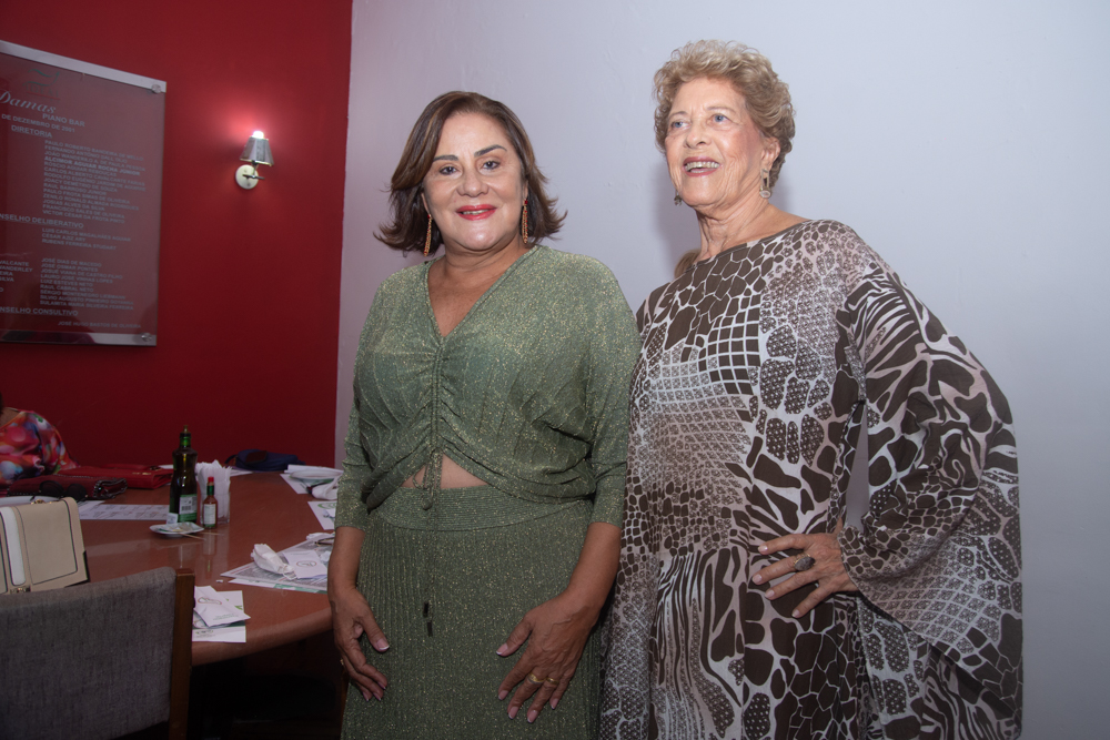 Karina Sampaio E Vera Tigre