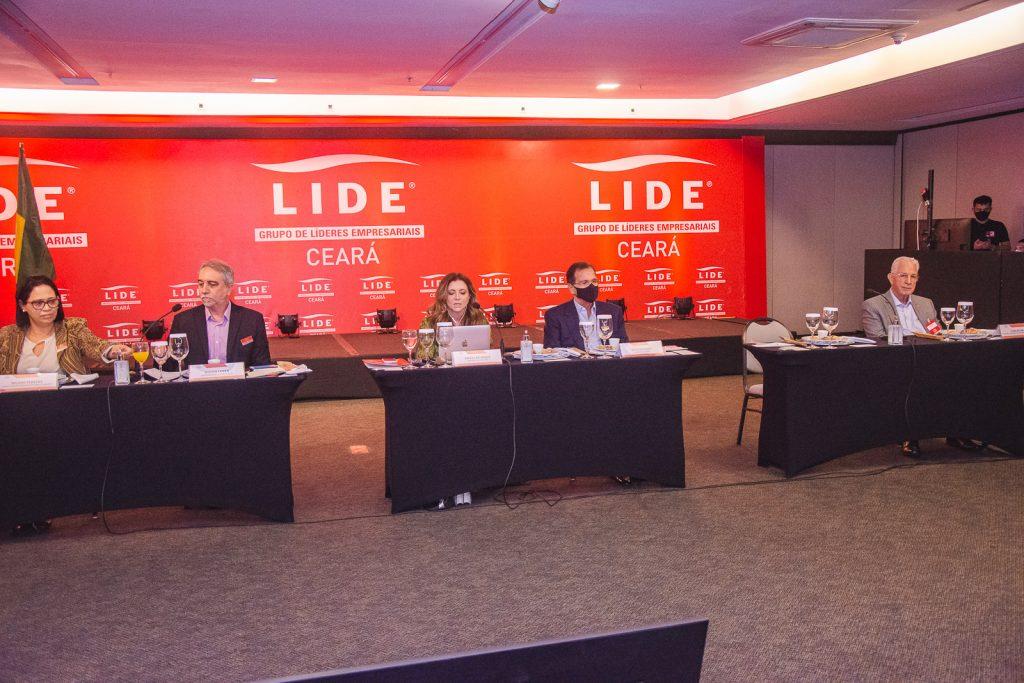 Lide (2)