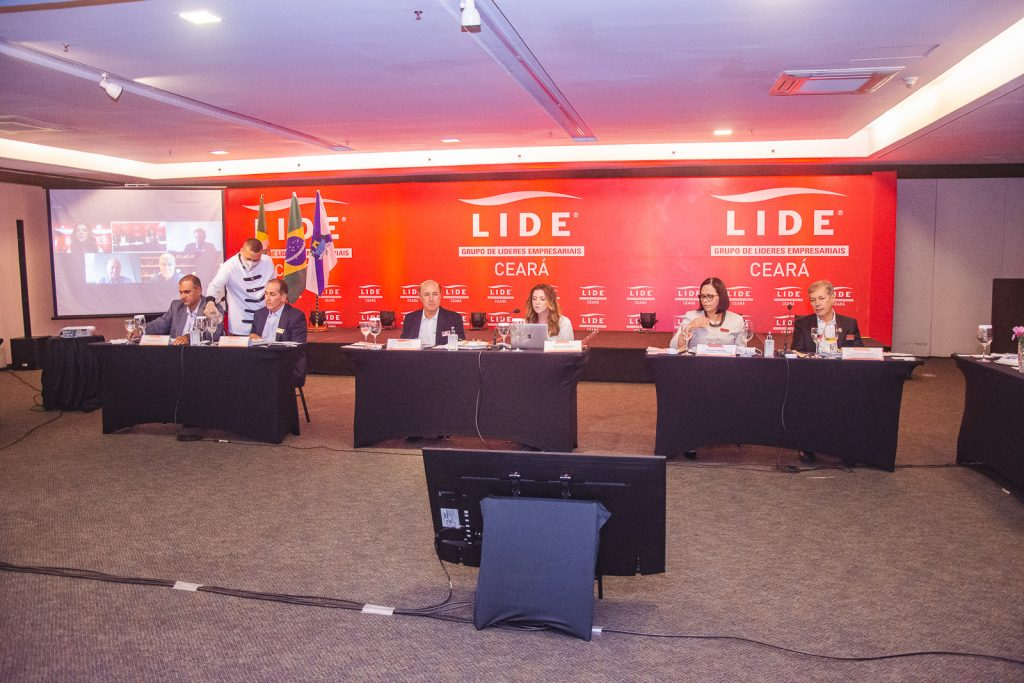 Lide (3)
