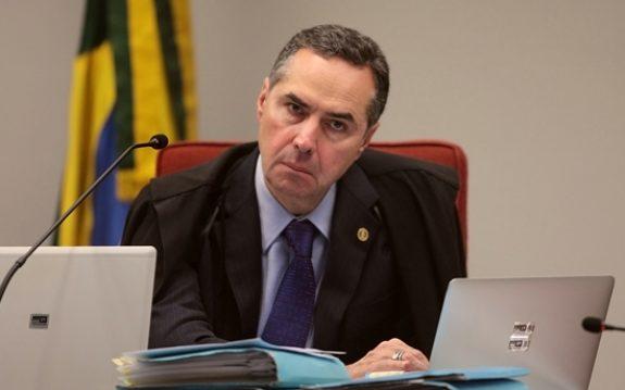 Ministro Barroso critica Bolsonaro e cria comissão de transparência para eleições