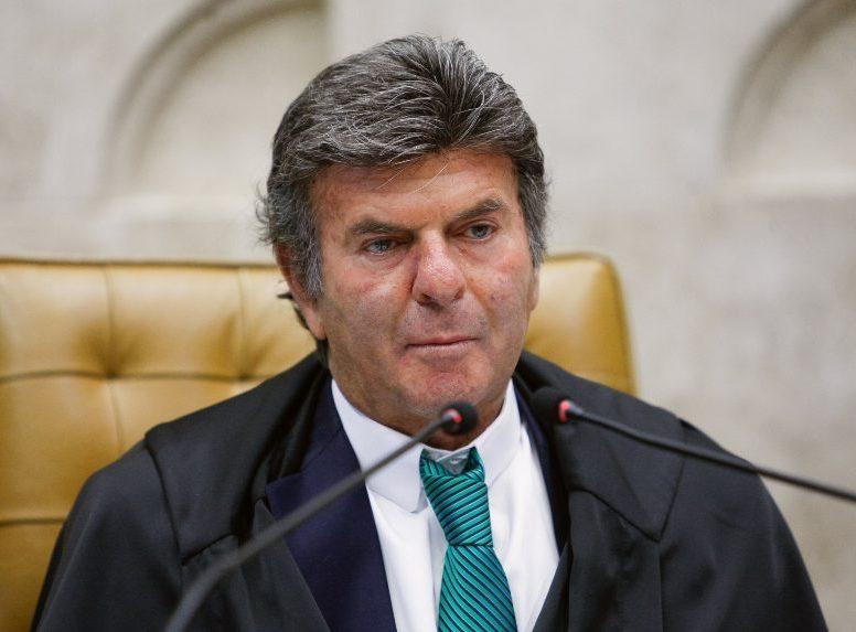 Luiz Fux rebate declarações de Bolsonaro e afirma que o STF não será fechado
