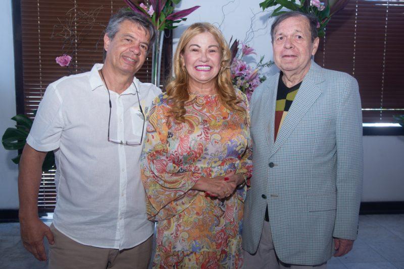 Sessão Parabéns - Ideal Clube serve de cenário para a troca de idade de Flávio Torres