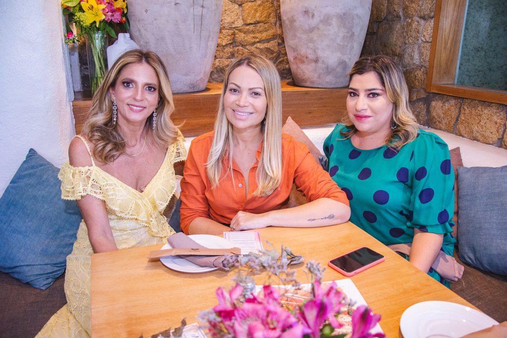 Michelle Aragao, Solange Almeida E Manu Romcy