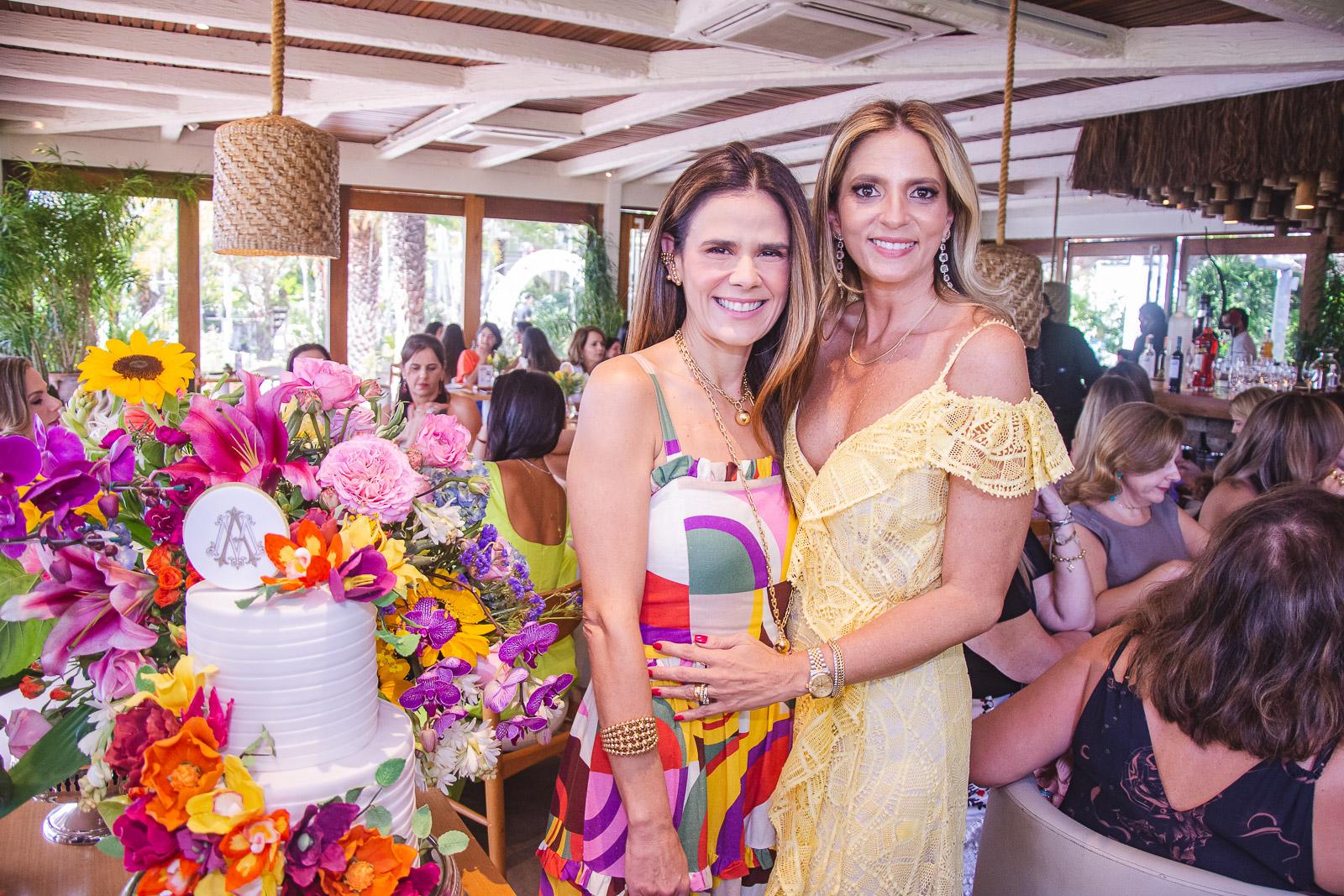 Presente no aniversário de Michelle Aragão, Niedja Bezerra brinda a nova idade nesta sexta-feira