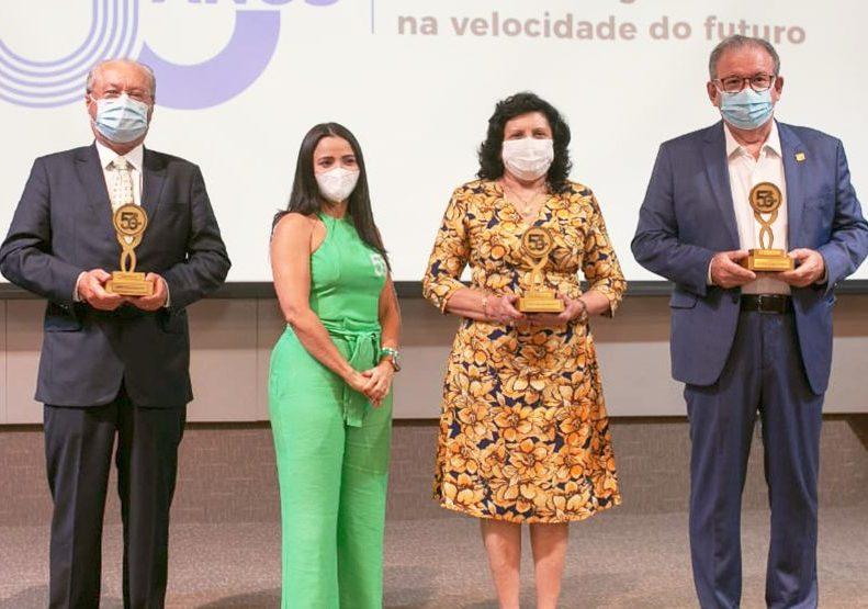 Presidente do TJCE, Nailde Pinheiro, homenageada nos 50 Anos do IEL Ceará