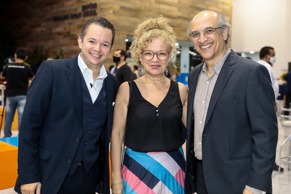 Paulo Matos, Claudia Buhamara E Mauro Romero