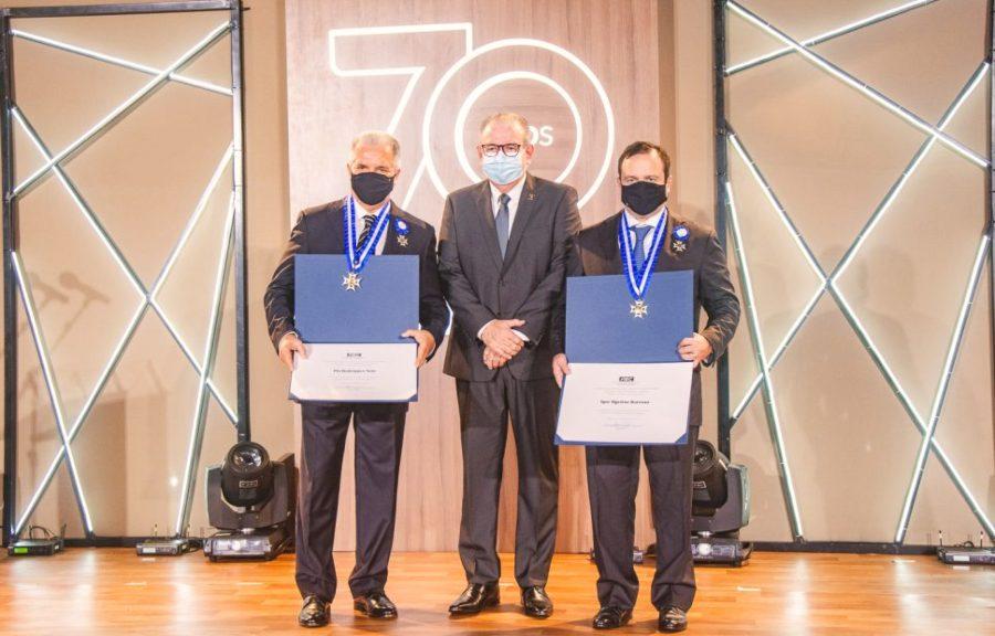 Igor Barroso e Pio Rodrigues recebem a Medalha do Mérito Industrial da FIEC
