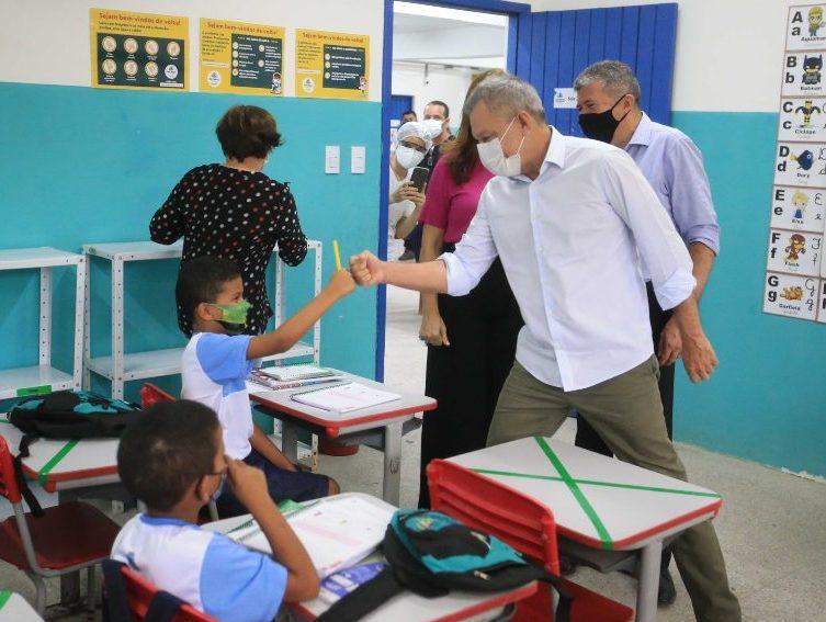 Prefeitura de Fortaleza inicia retomada escalonada das aulas presenciais na rede