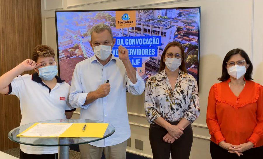 Sarto anuncia a convocação de 213 novos profissionais de saúde para o IJF em 2022