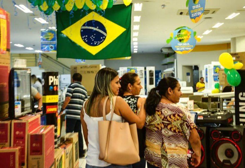 Semana do Brasil inicia nesta sexta-feira e descontos podem chegar a até 70%