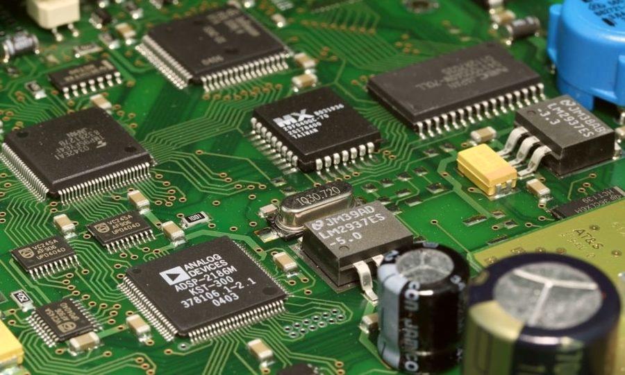 Escassez de semicondutores no mercado e dólar geram alta de eletroeletrônicos