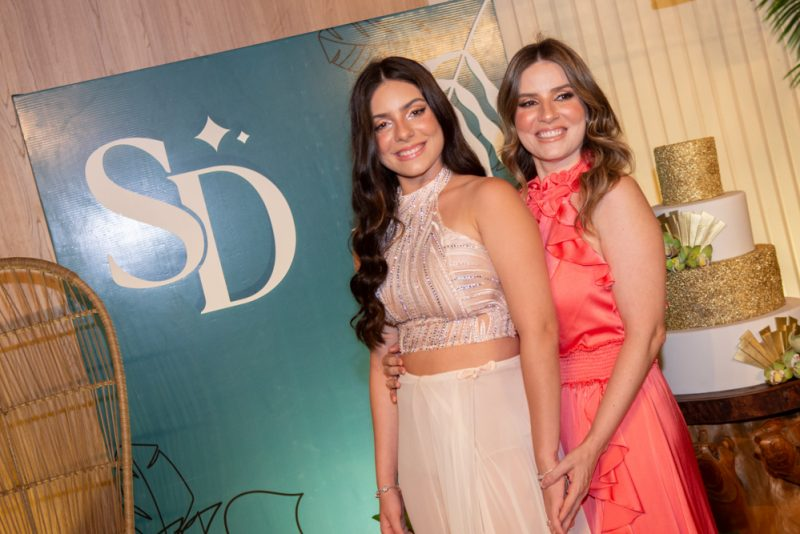 Debut - Herdeira de Maria Clara e Leonardo Dall'Olio, Sophia Dall'Olio celebra seus 15 anos na Praia da Taíba