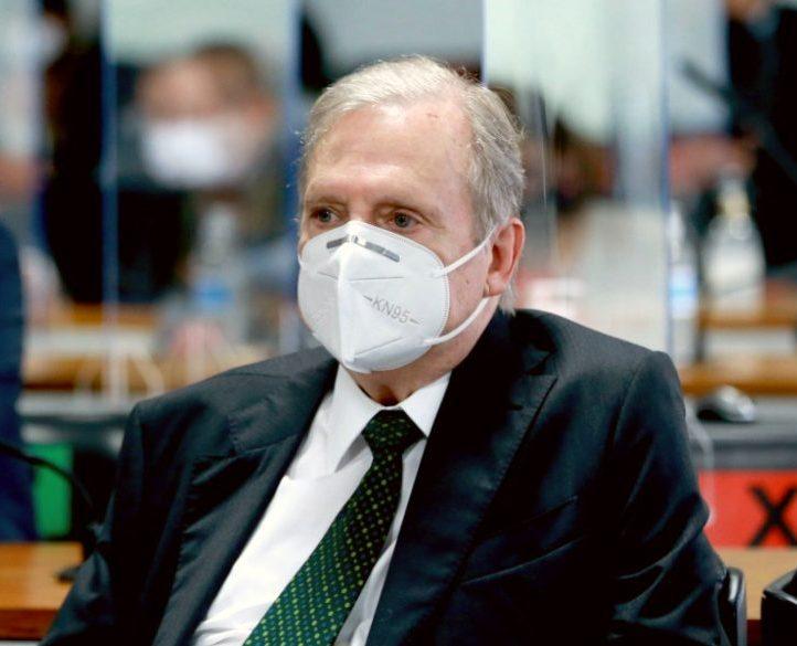 Tasso afirma que as declarações de Bolsonaro são totalmente inaceitáveis