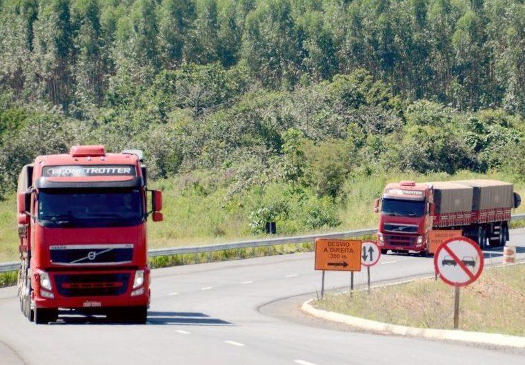 Cenário macroeconômico e pandemia impactam forte o transporte de cargas