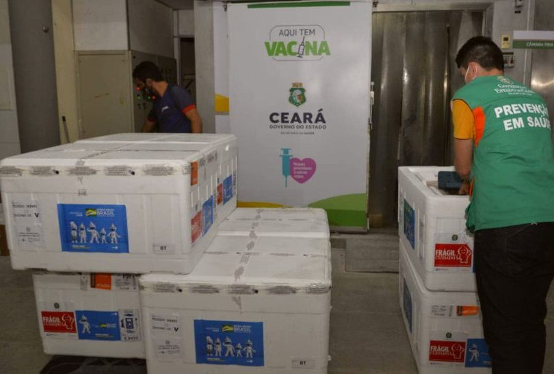 Governo do Ceará recebe 231.660 doses de vacinas da Pfizer nesta segunda-feira
