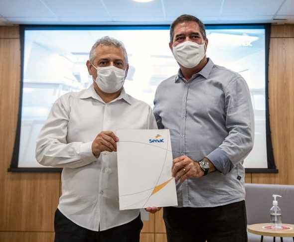 Fecomércio-CE e IFCE assinam acordo de cooperação técnica no Senac Reference