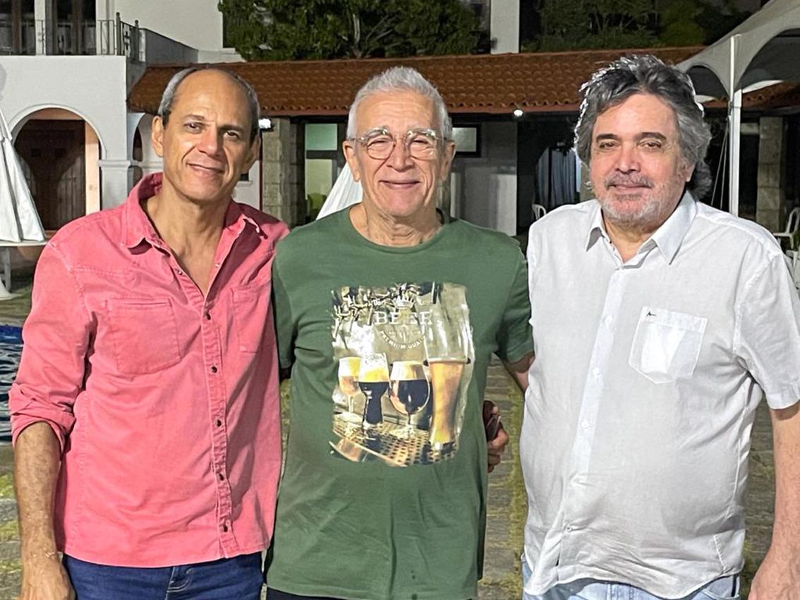 Ideal Clube celebra seus 90 com exposição dos artistas Totonho Laprovitera, Mano Alencar e Mino Castelo Branco
