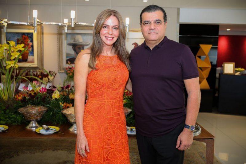 Celebrando o amor - Camille Bezerra e Edmar Feitosa Neto recebem seus padrinhos de casamento para sunset especial