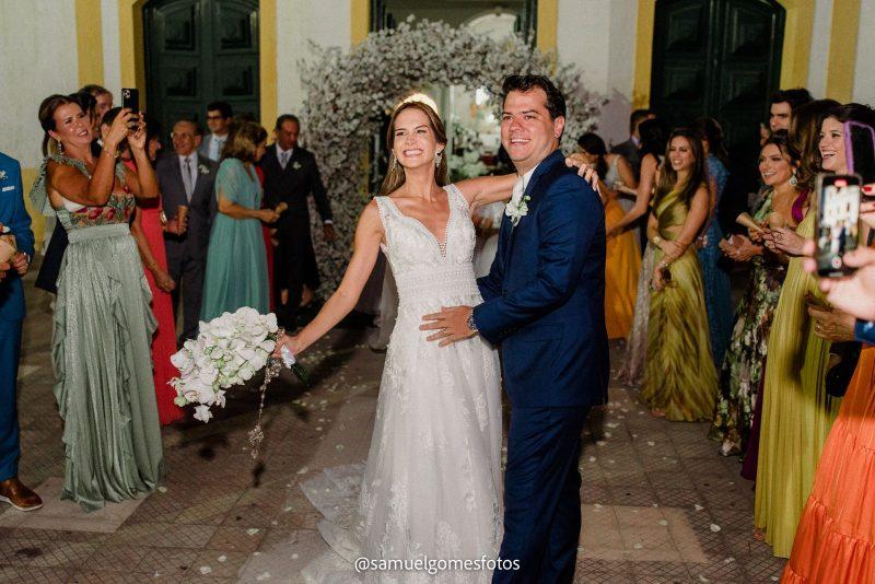 Chuva de Arroz - Alegria e emoção dão a tônica do casório de Marina Brasil e Ronaldo Aguiar