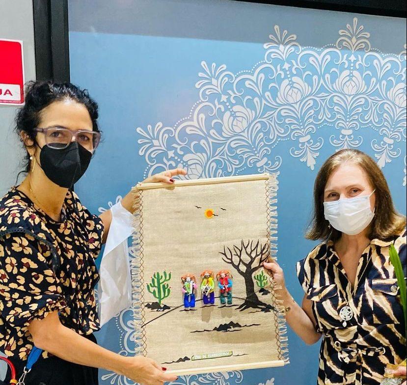 Loja do Bem do Iguatemi Fortaleza recebe a visita especial de Marisa Monte