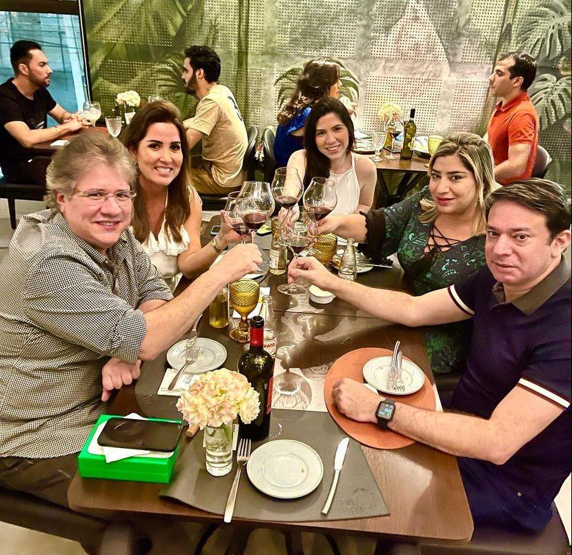 Cássio Sales brinda seu start nas cinco décadas no Baretta Restaurante