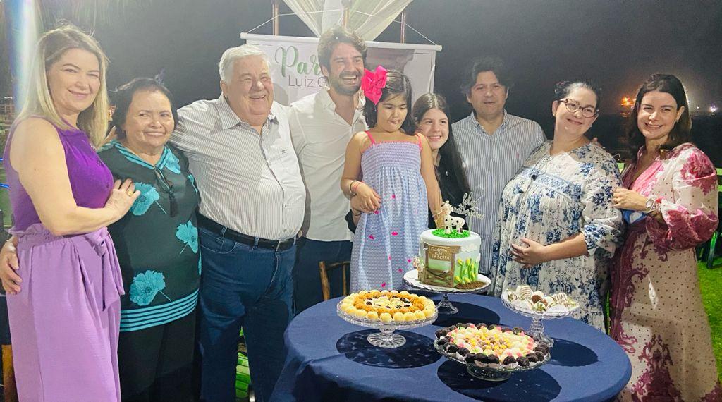 Luiz Girão festeja a nova idade no Iate Clube de Fortaleza
