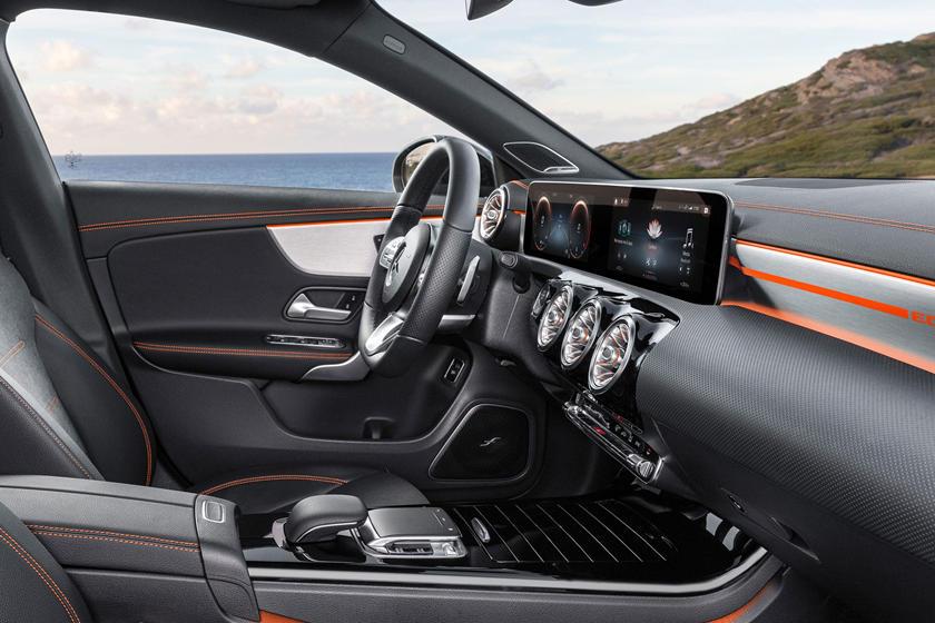 2022 Mercedes Benz Cla Class Dashboard Carbuzz 619509
