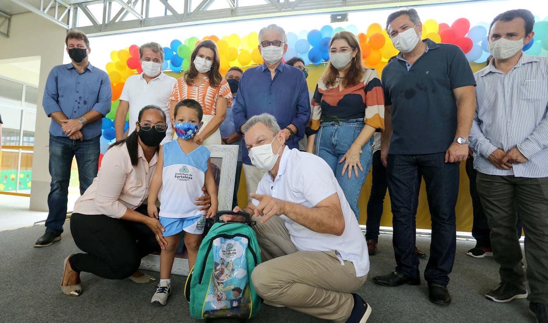 Família Bezerra de Menezes prestigia inauguração de creche em homenagem a Ana Amélia