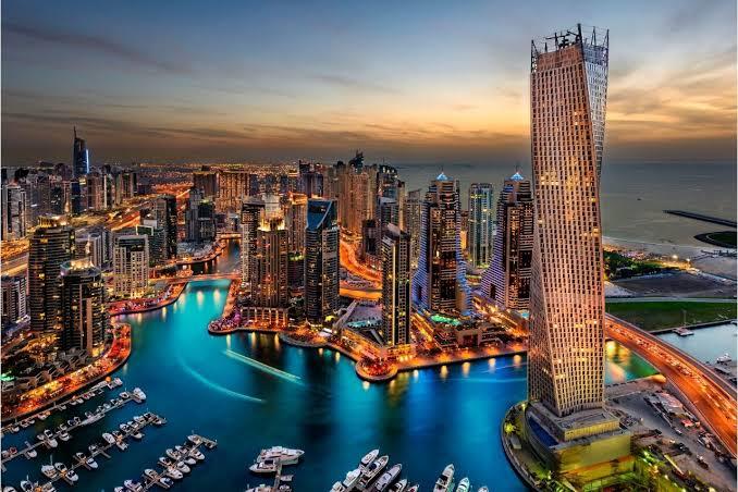 """Dubai Apresenta"" Novos roteiros para curtir entre amigos"