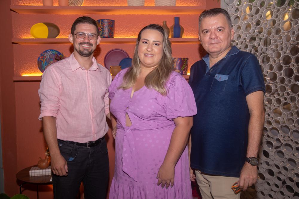 Adriano Amorin, Isabela Reis E Omar De Albuquerque