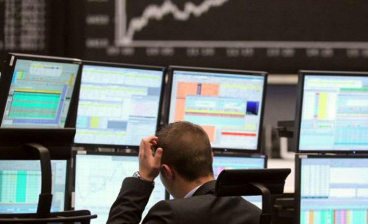 Ibovespa cai 2,22% e fecha aos 110.393 pontos. Dólar sobe e encerra a R$ 5,445