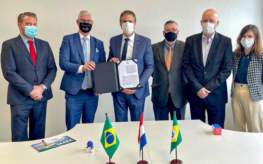 Camilo assina protocolo com grupo europeu que investirá US$ 2 bilhões na produção de Hidrogênio Verde no Ceará