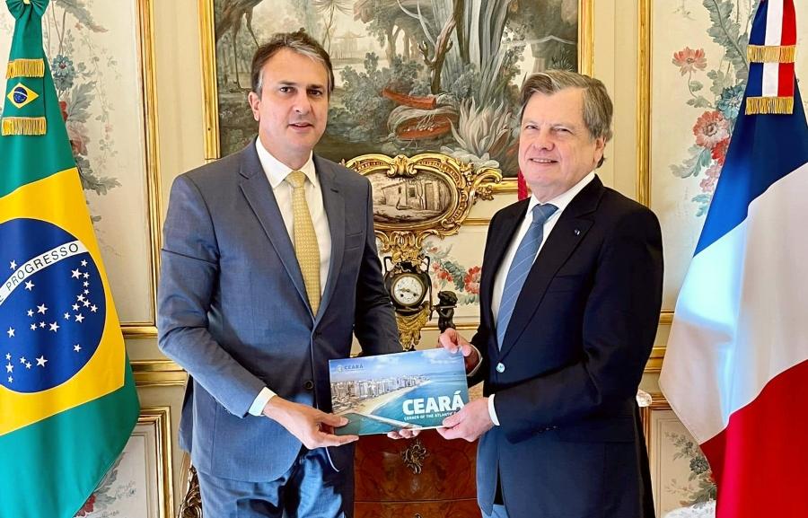 Camilo Santana fala de oportunidades no Ceará com embaixador do Brasil em Paris