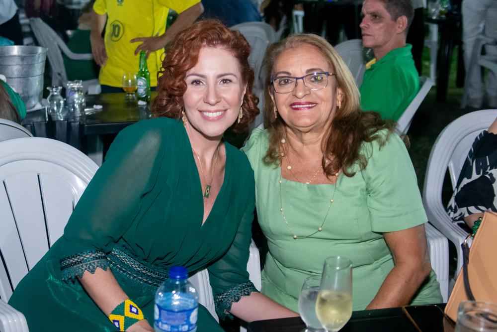 Carla Zambelli E Maria Nonato (dona Baíca) (2)