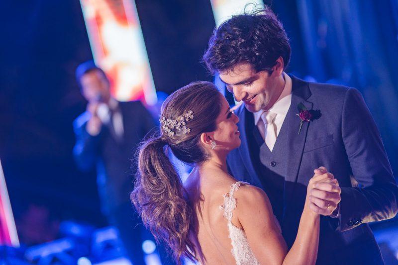 CASAMENTO DO ANO - Manuela Rolim e Raphael Nogueira celebram o amor com superfesta de casamento