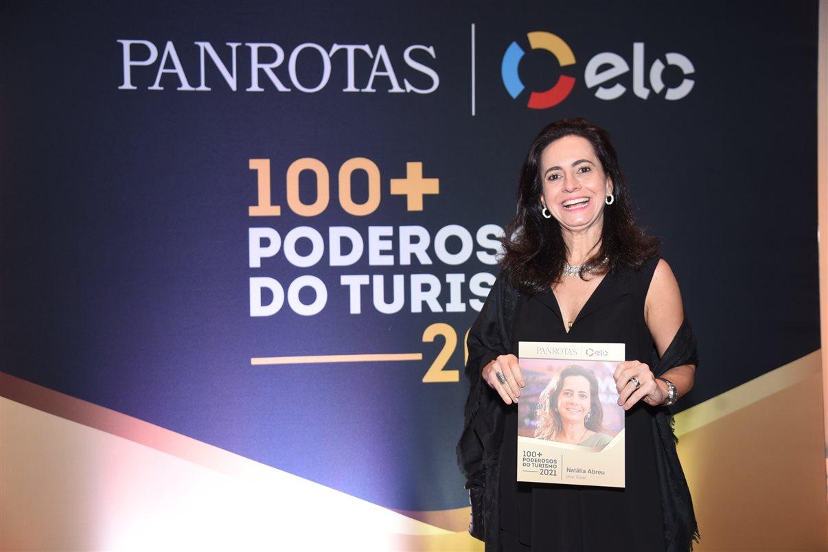 Natália Abreu é homenageada com o prêmio 100+ Poderosos do Turismo Panrotas Elo