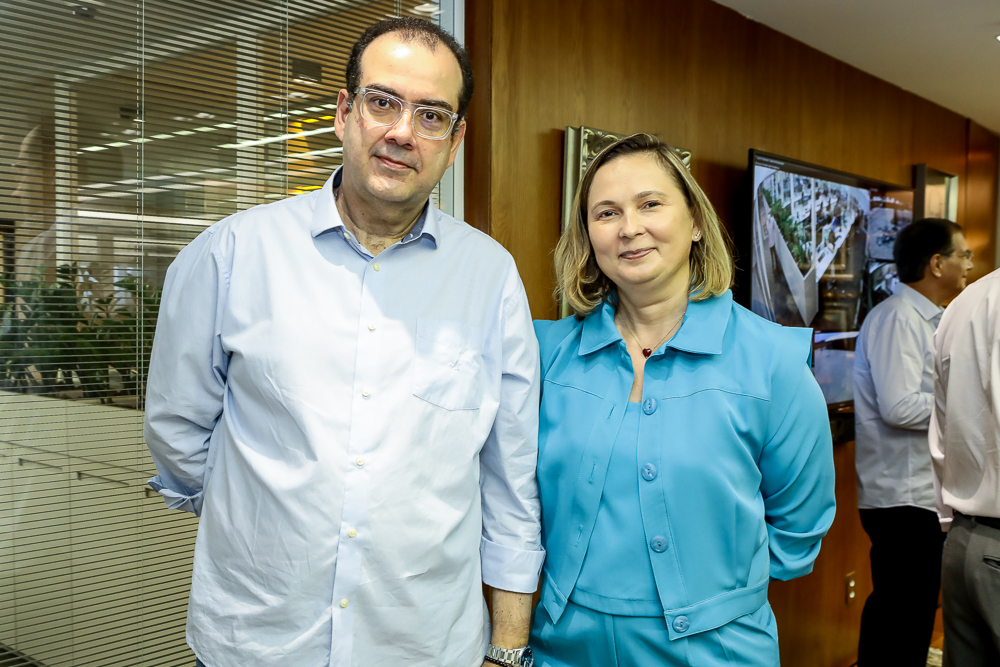Delano Macedo E Renata Santiago