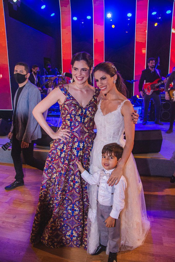 Gabriela, Joao E Manuela Rolim